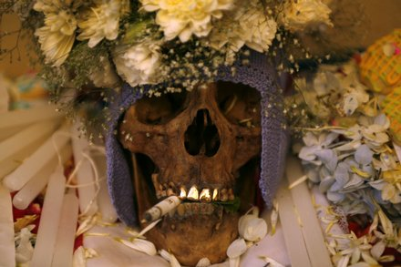 celebrations-for-day-of-the-skulls-in-bolivia-11